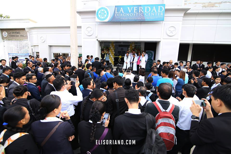 Volunteer doctors, nurses, and staff, as well as various Church members, attend the inauguration of the La Verdad Diagnostic Center located in Apalit, Pampanga. The event was part of the celebration of Ang Dating Daan's 37th anniversary held on December 15. Courtesy: Photoville International | Rodel Lumiares
