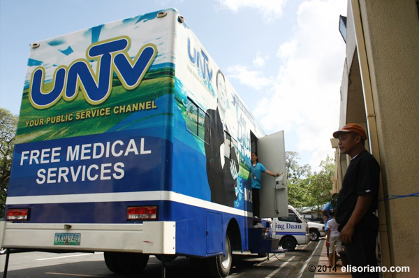 Through the UNTV Mobile Clinic and its state-of-the-art facilities, the medical missions held by Ang Dating Daan and UNTV can reach remote and far-flung barrios in the country. (Photo by Raymond Lacsa, Photoville International)