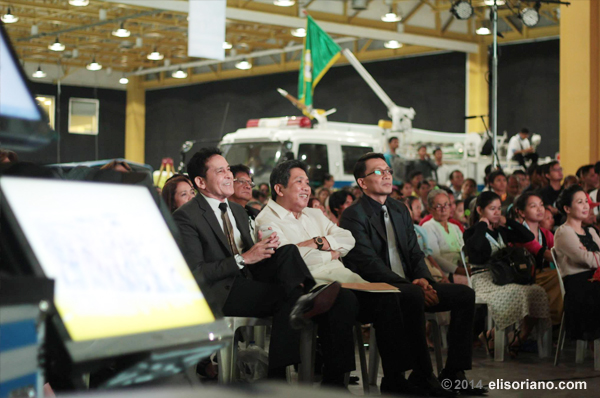 Mr. Atom Henares (left), Sec. Herminio Coloma, and Kuya Daniel Razon listen to Bro. Eli's remarks during the UNTV Big 10 Anniversary at the World Trade Center, Philippines. (Photo: Photoville International)