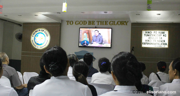 Bro. Eli speaking to the attendees of the Worldwide Bible Exposition on July 11, 2014 via Internet and satellite technologies. This MCGI monitoring center is at Makati City, Philippines.  (Photo: Photoville International)